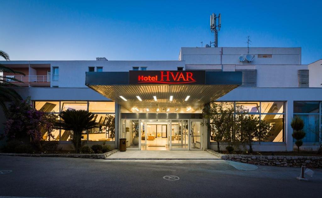 Hotel Hvar 3* pun pansion ljetovanje