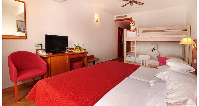 Hotel Zora 3* Primošten